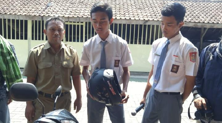 Siswa SMKN 1 Purworejo Berhasil Membuat Helm Anti Begal