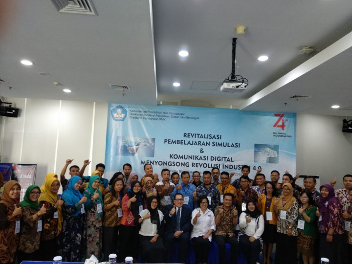 Penyelenggaraan Program Revitalisasi Simulasi dan Komunikasi Digital Menyongsong Revolusi Industri 4